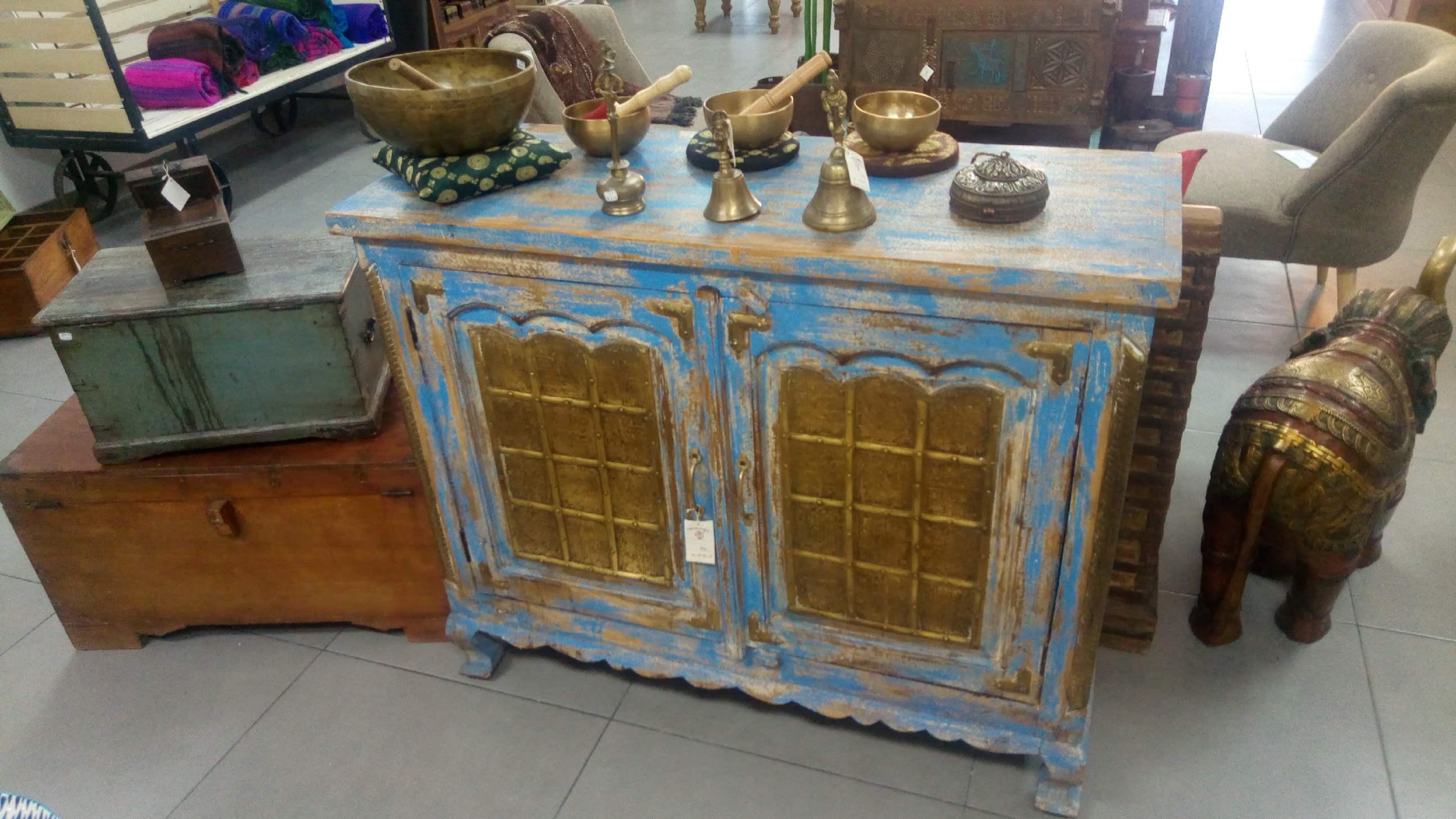 lisa la gerante de la boutique comptoir des indes wag 39n With comptoir des indes meubles 0 lisa la gerante de la boutique comptoir des indes wag n