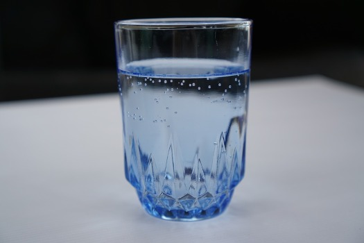 a-glass-of-water-2205146_960_720